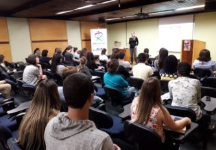 II Simpósio Paranaense de Fibrose Cística reúne estudantes e profissionais da saúde em Curitiba