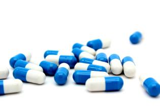Principais medicamentos utilizados no tratamento da fibrose cística e suas possíveis interações medicamentosas