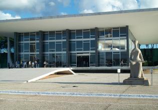 11 de março: STF retomará o julgamento sobre as medicações de alto custo
