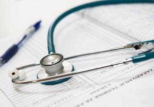 Estudo comparativo da qualidade de vida e força muscular respiratória em pessoas com Fibrose Cística