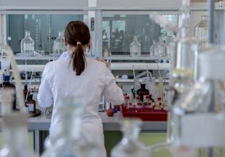 Pesquisa fenotípica da formação de biofilmes em Staphylococcus aureus isolados de pacientes com Fibrose Cística