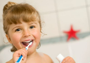 Cuide da sua saúde bucal e fique longe das bactérias!