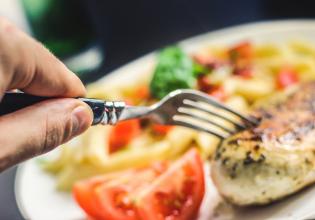 O estado nutricional e a força muscular em pacientes com Fibrose Cística