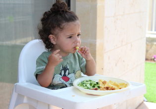 Terapia nutricional e qualidade de vida em crianças com Fibrose Cística: uma revisão integrativa