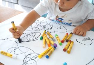 #TôemCasa | DICA #09: É hora de pintar e desenhar!