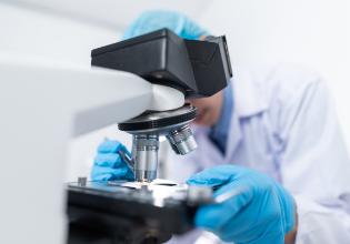 A jornada desde o avanço científico até o medicamento capaz de transformar as vidas das pessoas com Fibrose Cística – PARTE 2