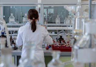 Modelos animais para o estudo de fibrose cística em laboratório: uma breve revisão