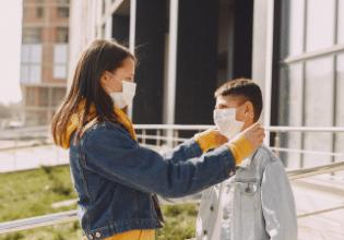 Estudo indica que crianças com fibrose cística que contraem covid-19 geralmente não desenvolvem a doença grave